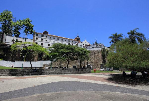 5-days-itinerary-in-Rio-de-Janeiro-Largo-da-Carioca
