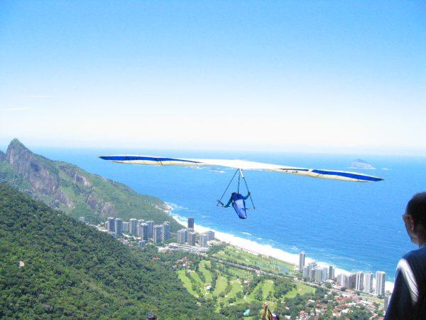 things-to-do-in-rio-de-janeiro-hang-gliding