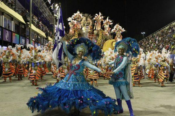 vida-nocturna-en-río-de-janeiro-carnaval