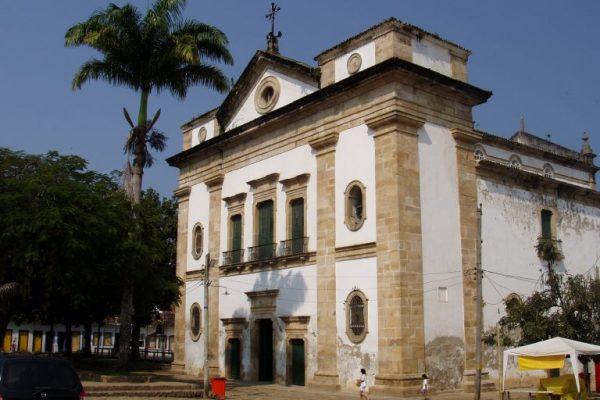 paraty-church-matriz-square