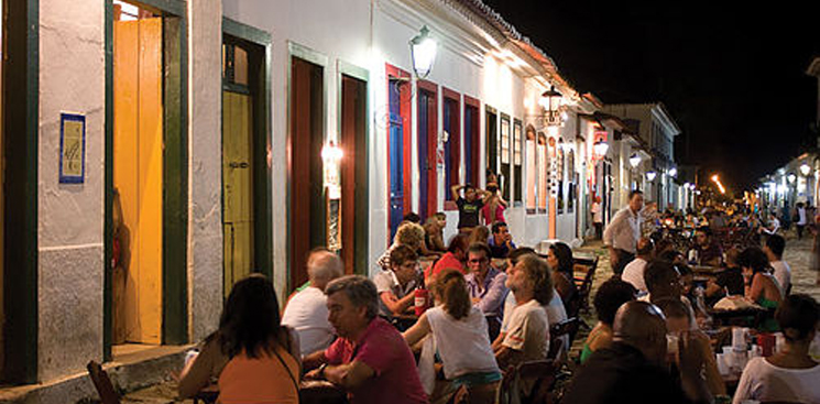 Paraty Night