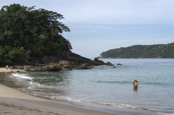 praia-do-meio-trindade-paraty