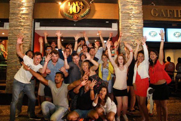 que-hacer-en-Río-en-3-dias-pub-crawl-lapa